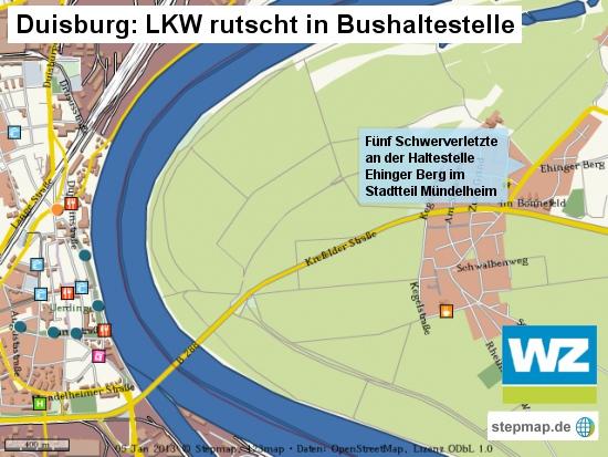 Duisburg: Lkw rutscht in Bushaltestelle