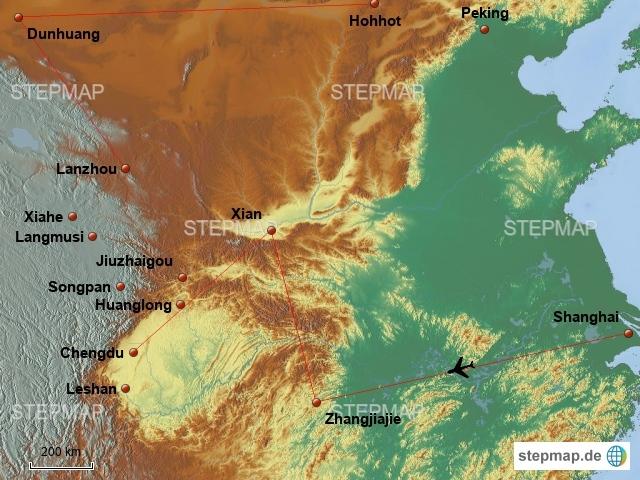 Es sind einige tausend Kilometer die wir in China zurücklegen wollen. Auf dem Plan stehen: Großstädte, Berge, Nationalparks, Klöster und sogar eine Wüste!